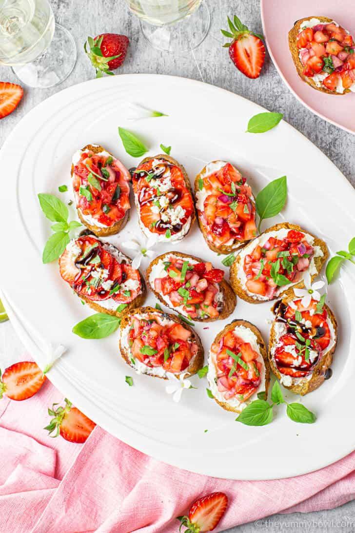How To Make Crostini With Strawberry Salsa