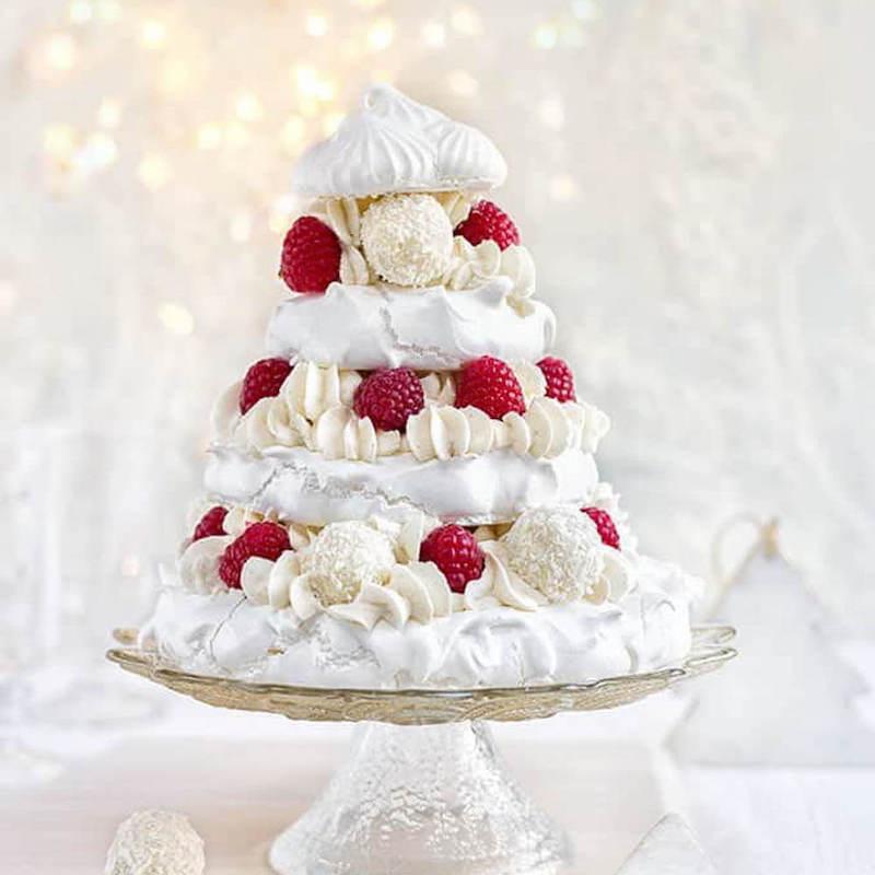 Meringue Christmas Cake